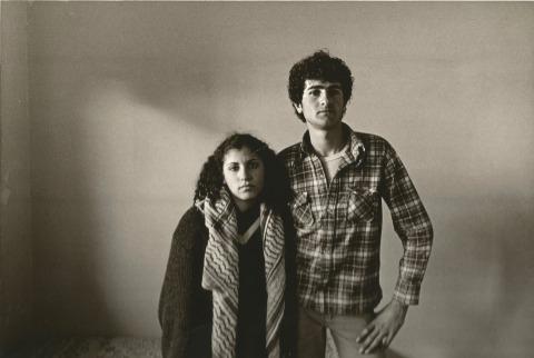 """יעקב שופר, מתוך ילידי הארץ, 1979 - 1983, אוסף המחלקה לצילום, ארכיון בצלאל מתוך הספר """"האמת הפוטוגרפית אמת טבעית היא - כרוניקה של מחלקה לצילום"""", עמוד 239 באדיבות נועה צדקה"""