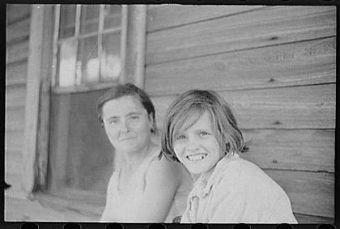ווקר אוונס, אליזבת' ואידה רות טנגל, מחוז הייל, אלבמה, קיץ 1936