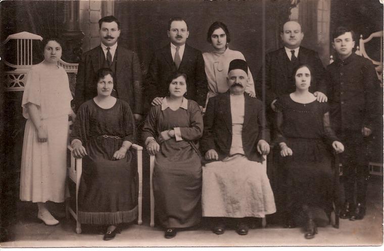 משפחת מוגרבי בדמשק, שנות העשרים של המאה העשרים מאלבום משפחת מוגרבי